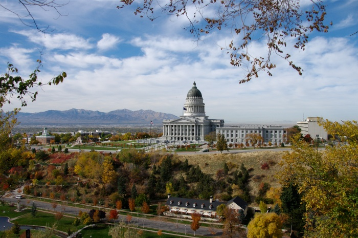 The Utah State Capitol Building, and Capitol Hill with other government buildings. Credit: Scott Catron (CC BY-SA 2.0)